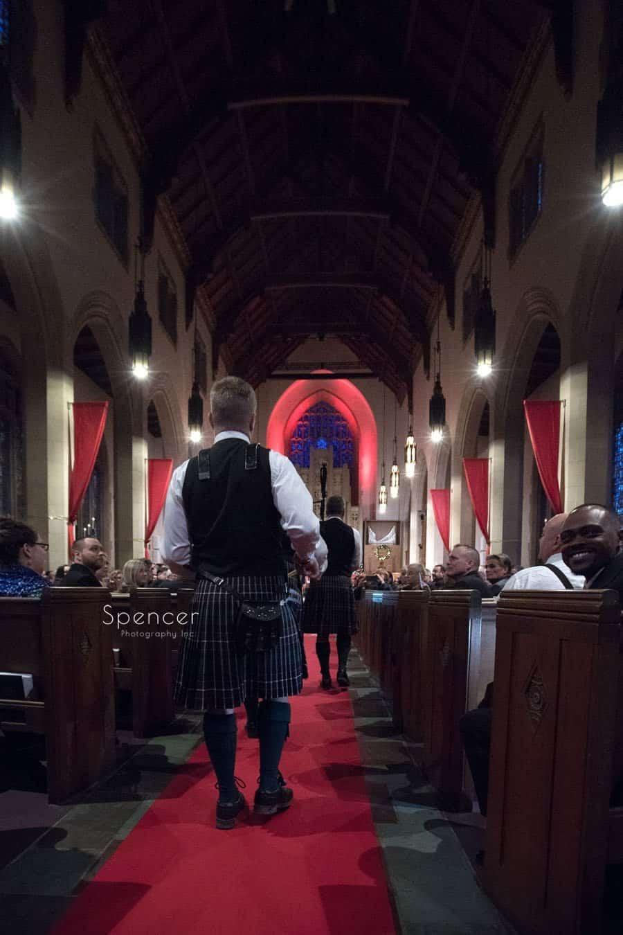 pipe band enter christmas wedding at first baptist church