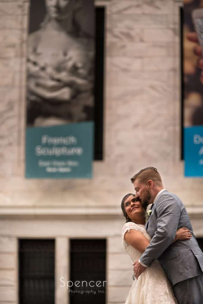 wedding picture at Cleveland Museum of Art