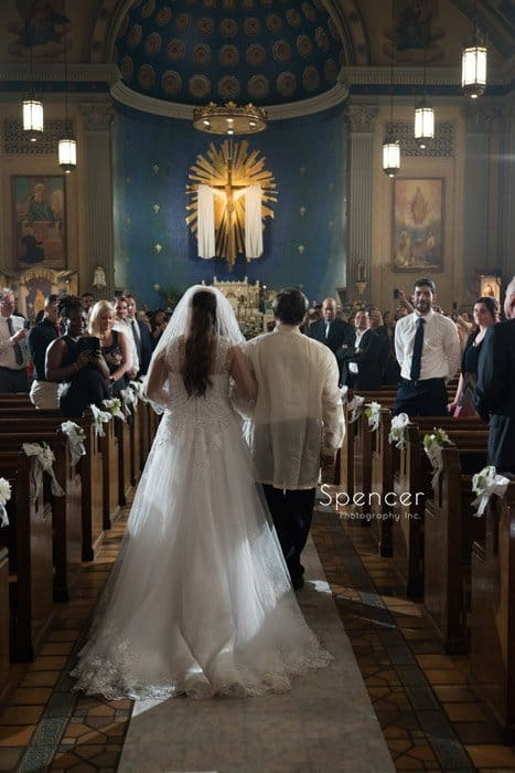 dramatic wedding cermony picture in Cleveland