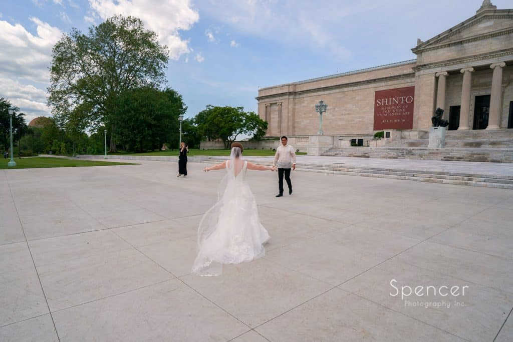 wedding day first look at Cleveland Museum of Art