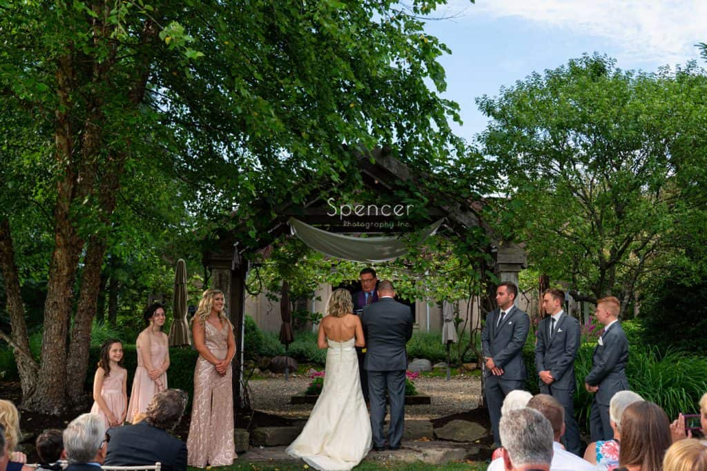 picture of wedding ceremony at Thorncreek Winery