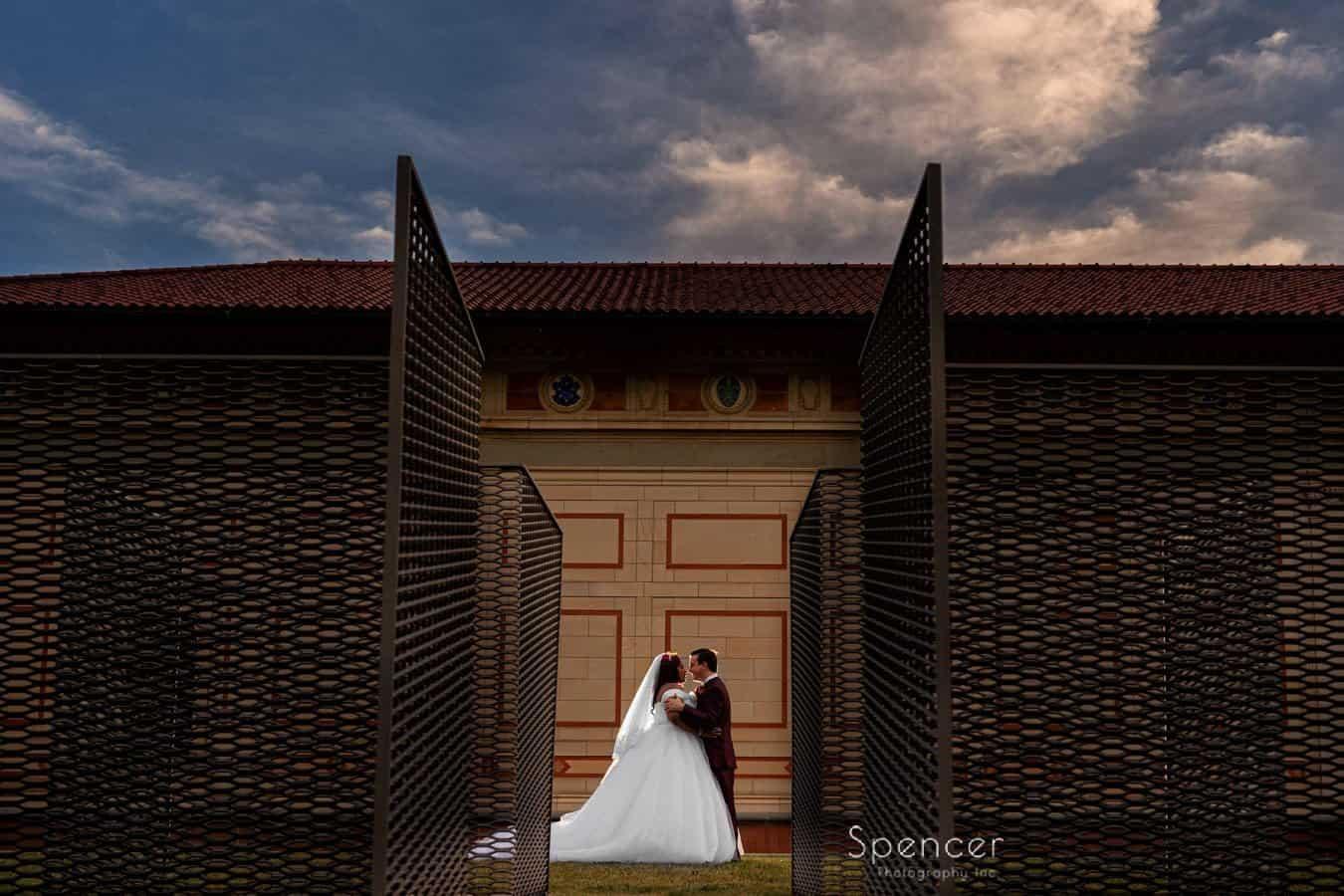 creative wedding picture at Allen Memorial Art Museum