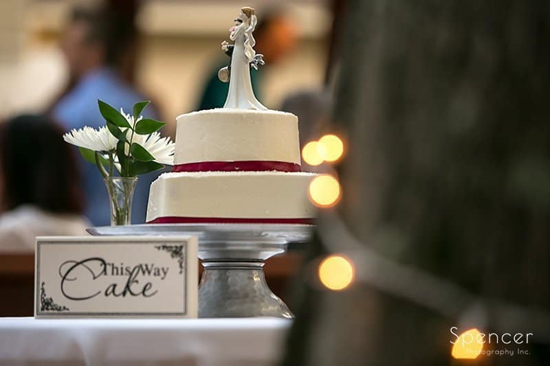 wedding cake at Country Cottage and Gardens reception