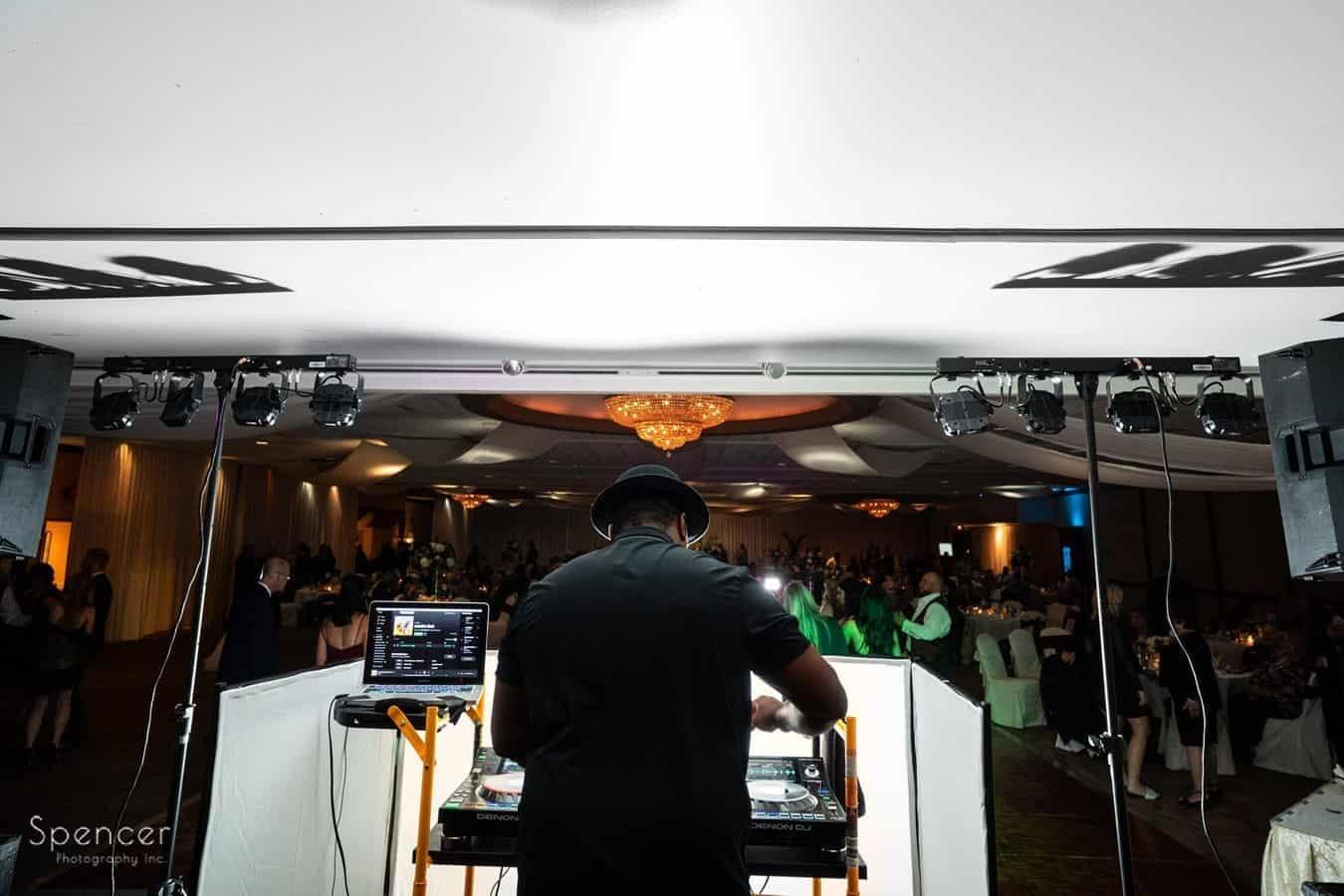 dj london bridges works wedding reception at LaMalfa
