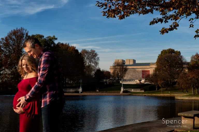 Maternity Pictures at Cleveland Museum of Art // Cleveland Maternity Photographers