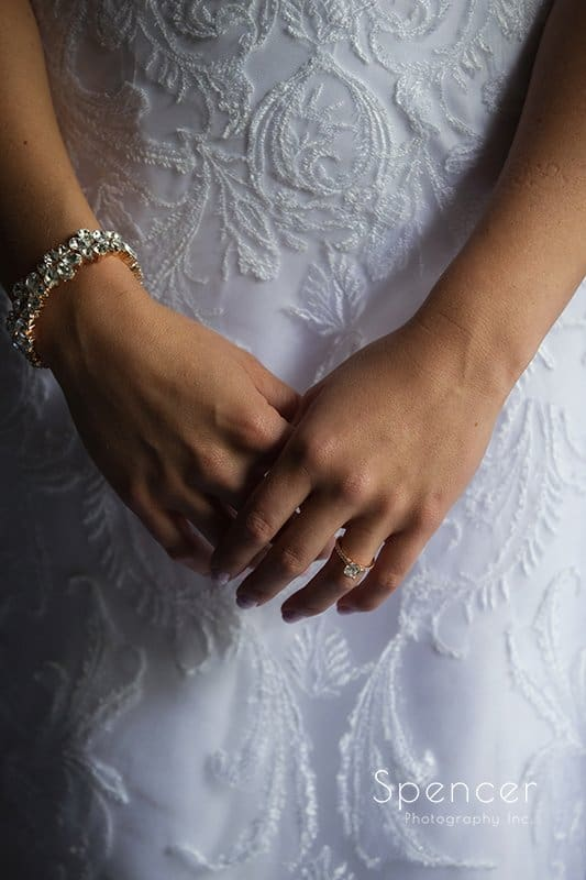 picture of brides hands