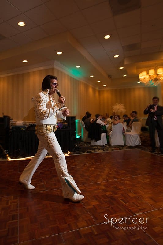 Elvis impersonator enters wedding reception at Cleveland Crown Plaza