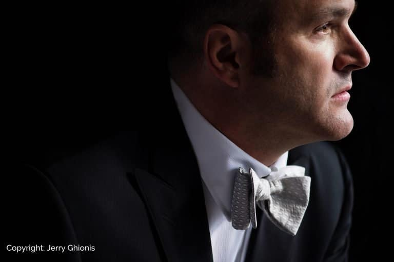 Jerry Ghionis portrait of Cleveland wedding photographer