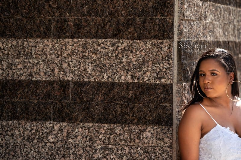 senior picture at exterior of Cleveland Museum of Art