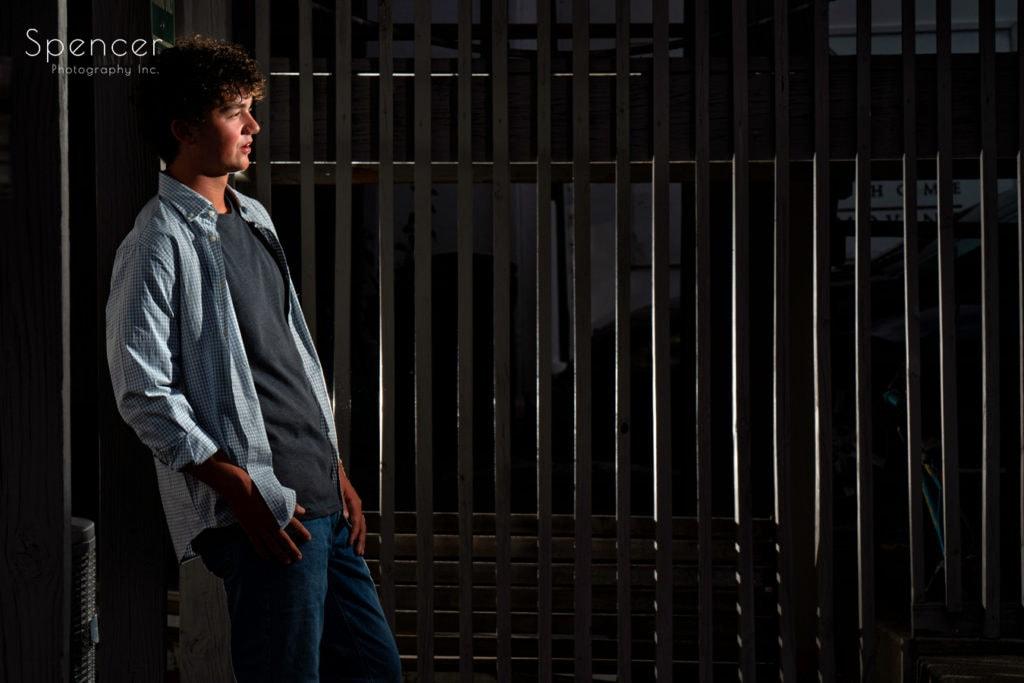 creative senior picture in wadsworth ohio
