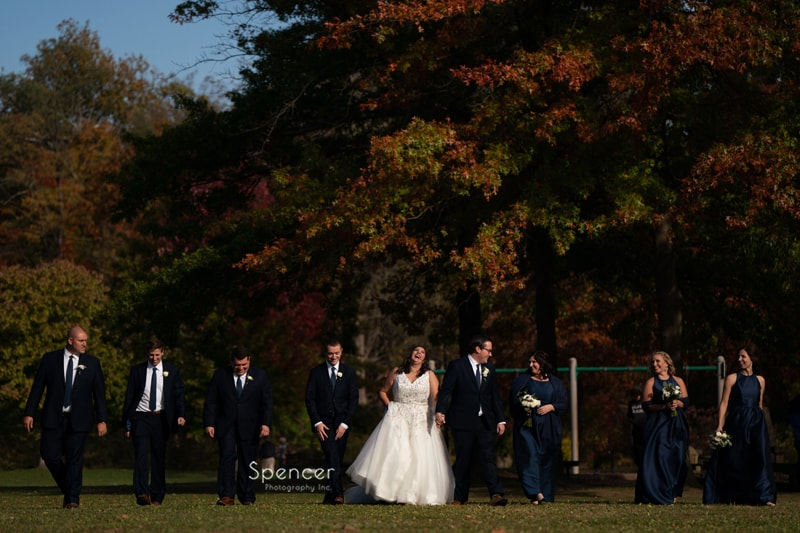 a fun wedding picture of bridal party in Chagrin Falls Ohio