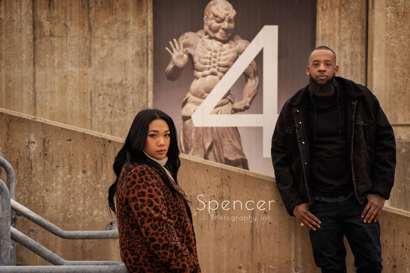 couple in photo in front of Japanese art at Cleveland Museum