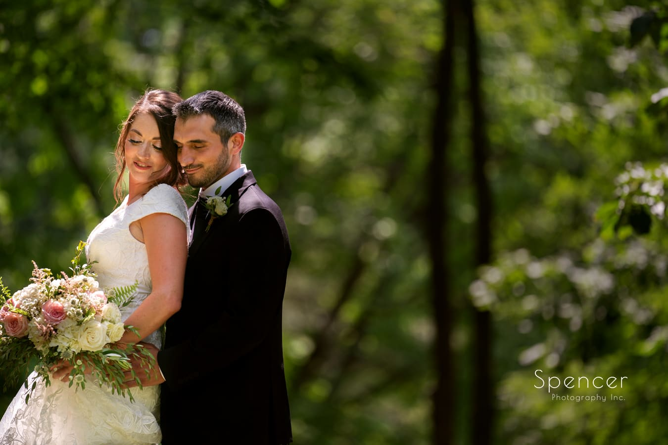 Read more about the article Wedding At Patterson Fruit Farm // Cleveland Wedding Photographer