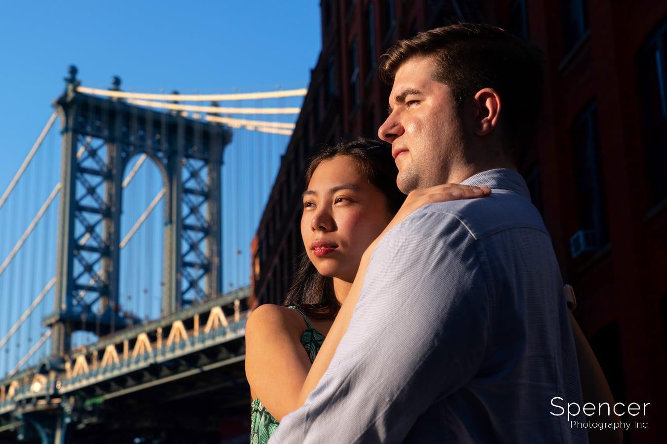 engagement picture at Manhattan Bridge in New York City