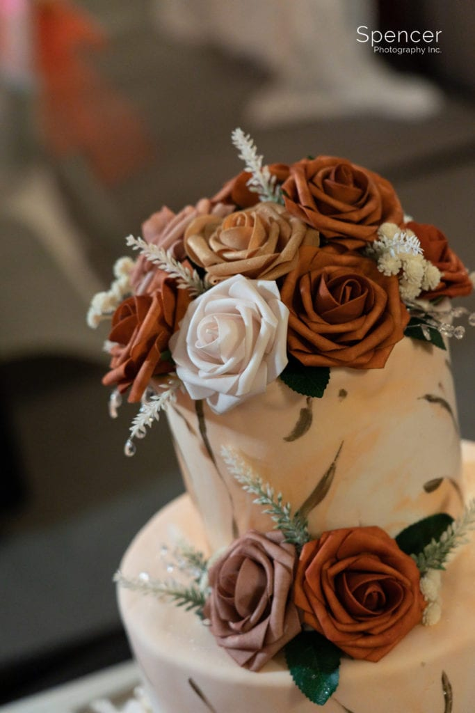 wedding cake at Cleveland Doubletree